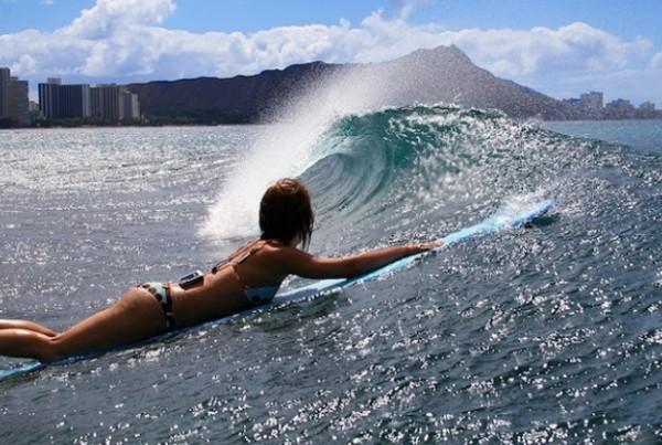 girl-paddle