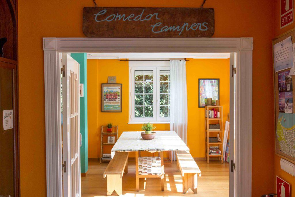 Comedor y Sala Relax para los Campers