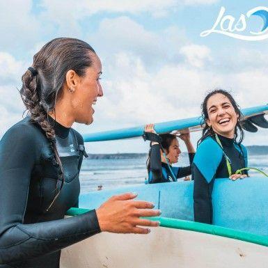 Campers de Surfcamp en Salinas Asturias.