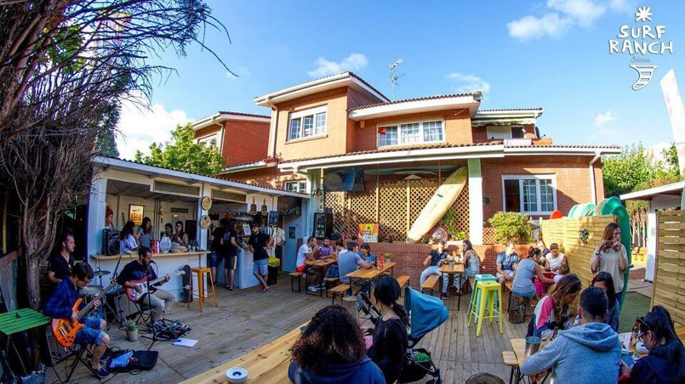 Family Surfers - Las Dunas